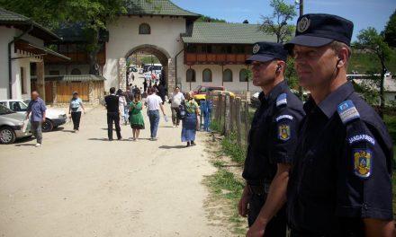 Peste 200 de jandarmi hunedoreni la datorie în perioada Sărbătorilor Pascale