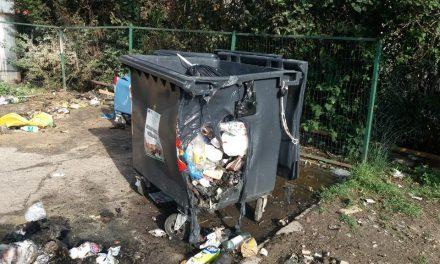 Containere de gunoi, incendiate în Deva. Făptașul nu a fost încă identificat