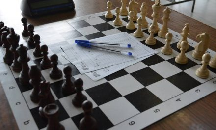 """""""Trofeul Cetăţii"""" la șah, turneu internaţional organizat în Deva"""