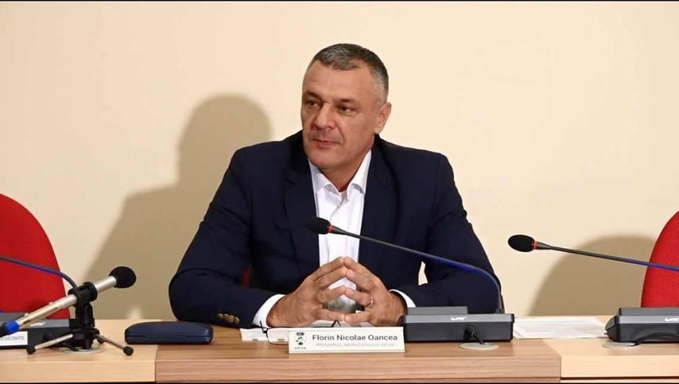 Primarul Devei a semnat un nou contract pe fonduri europene
