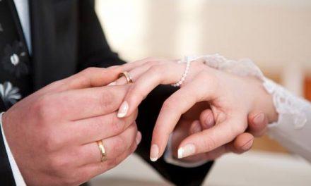 """Două cupluri se căsătoresc de """"Valentine's Day"""" la Deva"""