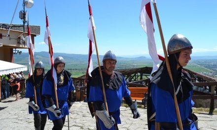 Istoria și legendele Cetății Deva, reînviate, duminică, de Garda Cetății