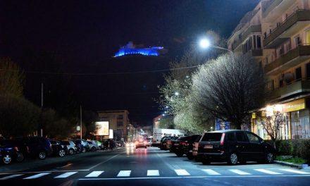 """Cetatea Deva și Centrul Cultural """"Drăgan Muntean"""", iluminate în albastru pentru o seară"""
