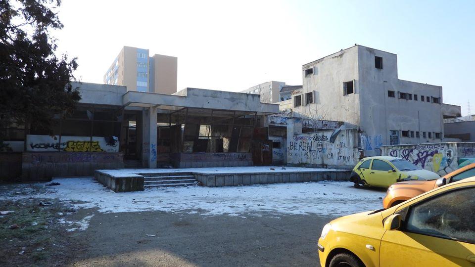 Ruinele fostului restaurant Astoria din Deva vor dispărea